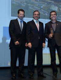Darci Vieira(Patrimar), José Romeu Ferraz neto (Presidente do Sinduscon-SP) e Alexandre Lara (Patrimar). Crédito Divulgação Seconci_SP