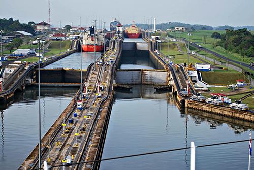 canal-locks-opening