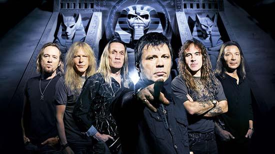 iron_maiden_band_members_look_pyramid_2072_3840x2160