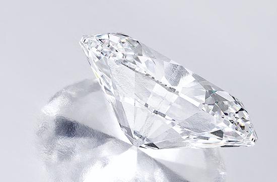 Magnificent-Oval-Diamond-sothbeys-luxuryvolt-66