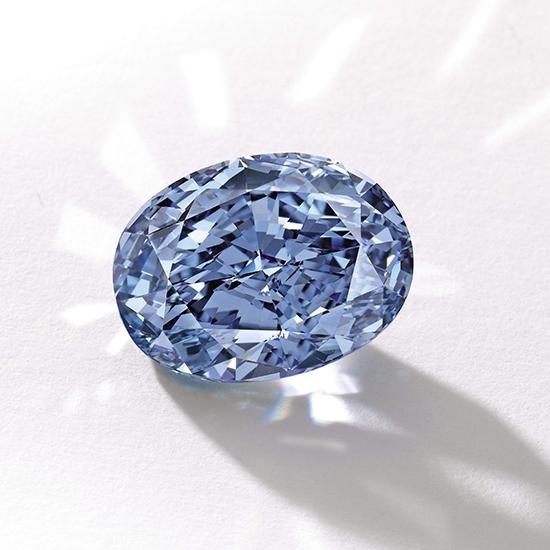 de_beers_millennium_jewel_blue_diamond.jpg__2160x0_q90_crop-scale_subsampling-2_upscale-false