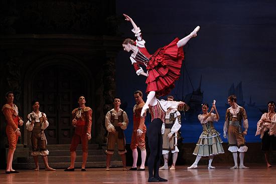 daniel-gaudiello-lana-jones-don-quixote-australian-ballet-2013